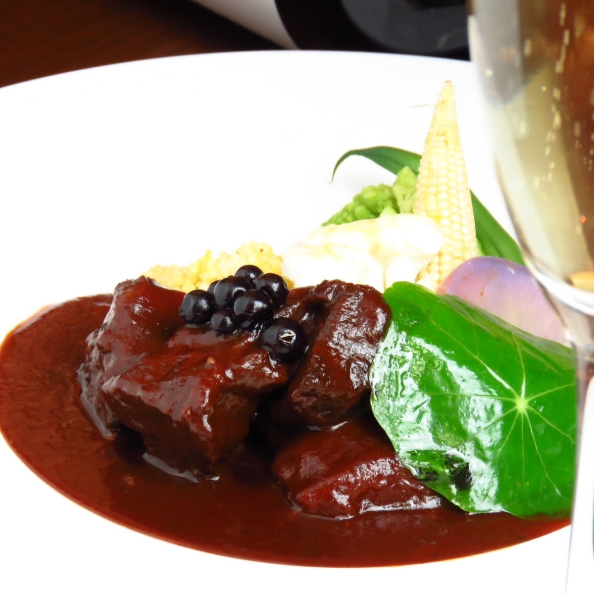 "Repeater Many popular No. 1 menu ""Braised beef cassis simmered"" easily at lunch ♪"