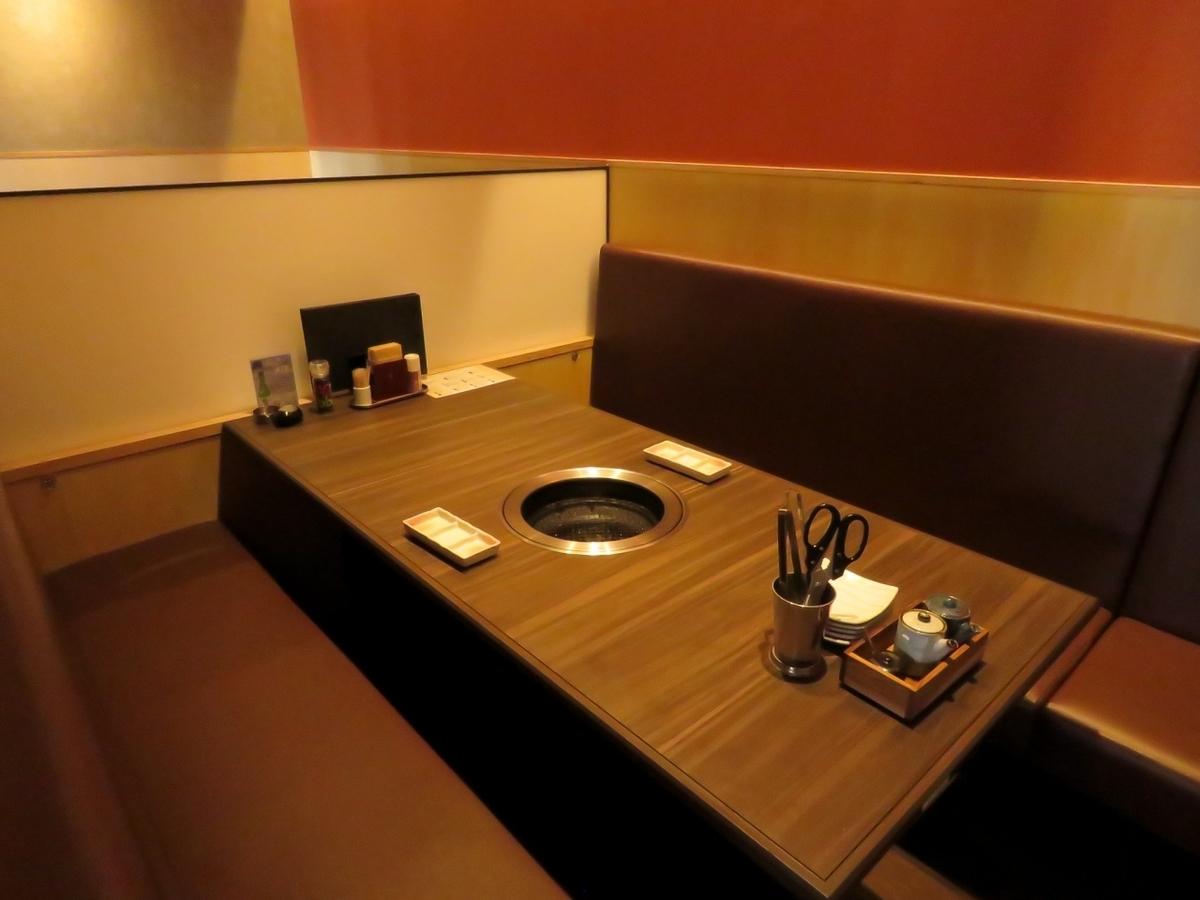 半私人房間桌(最多6人)