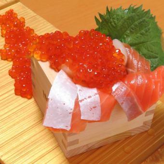 Spilled seaweed seafood chirping