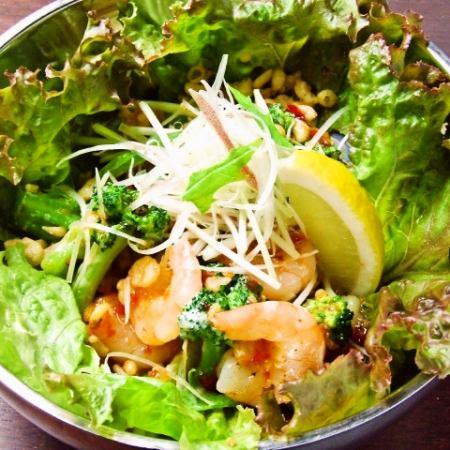 (鐵板燒)用東方蛋黃醬炒蝦