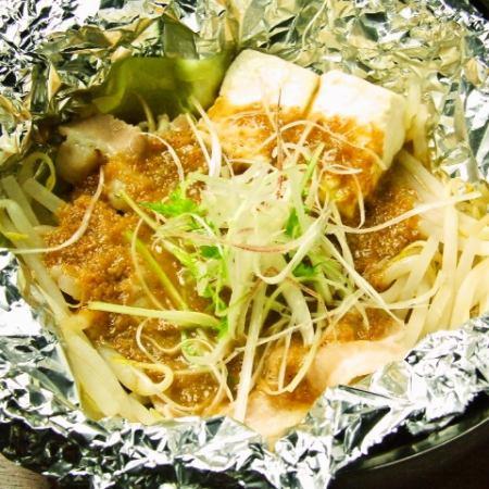 (在雜樣煎菜餅,炒麵的前面)箔蒸豬和蔬菜
