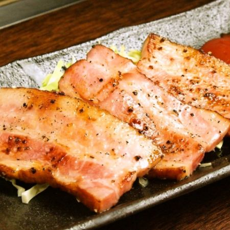 Grilled bacon black pepper baked