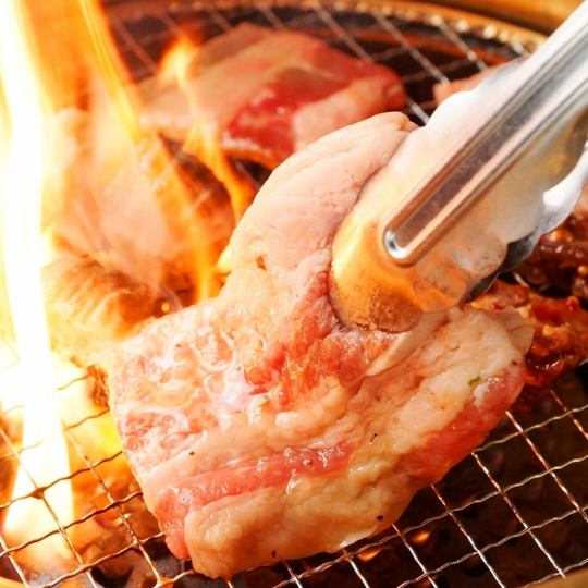 All-you-can-eat all-you-can-eat 3 hours 【Yakiniku · hormone · pot · cuisine】 3666 yen ♪ All-you-can-eat steak!