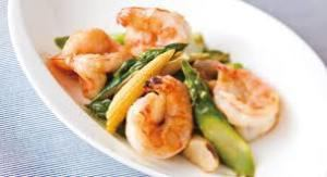Stir-fry garlic with shrimp and asparagus ●