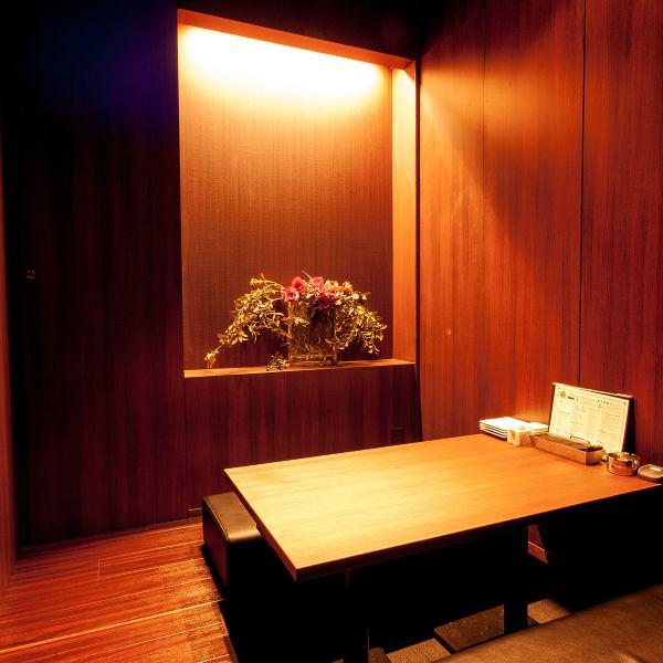 客人可以在擁有寧靜氛圍的私人客房內享用新鮮的海鮮。