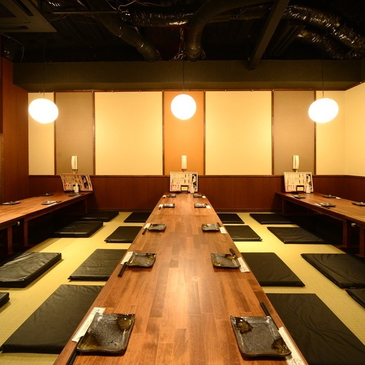 When you remove the partition of the Kashiwazaki, you can quickly change to a banquet hall for up to 40 people !! We can accommodate group banquets as well.Please make your reservation as soon as possible.