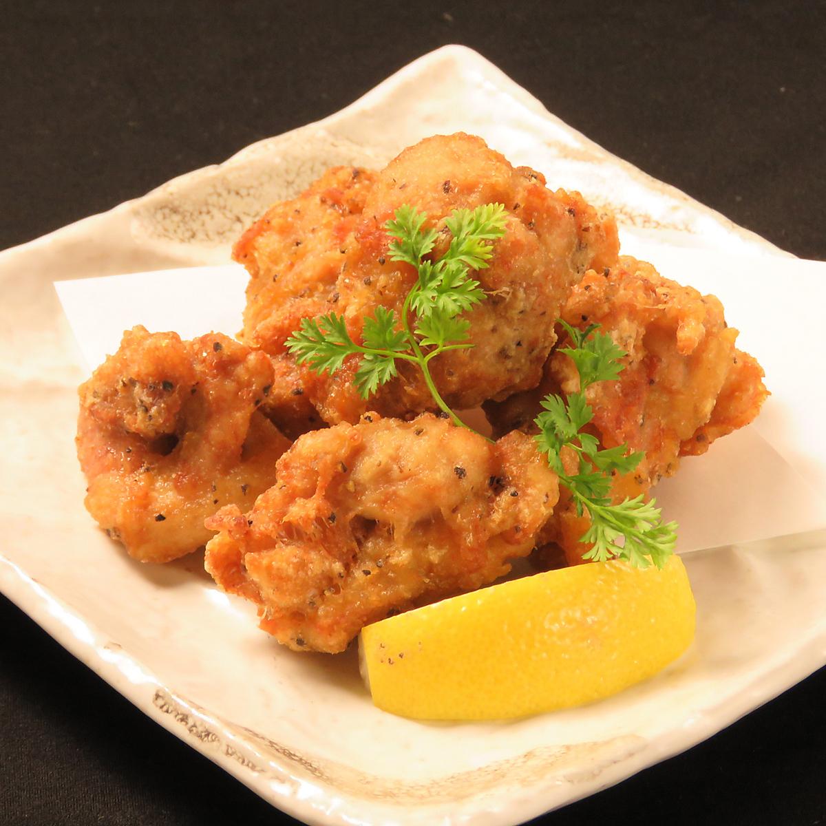 Deep-fried chicken thigh juicy