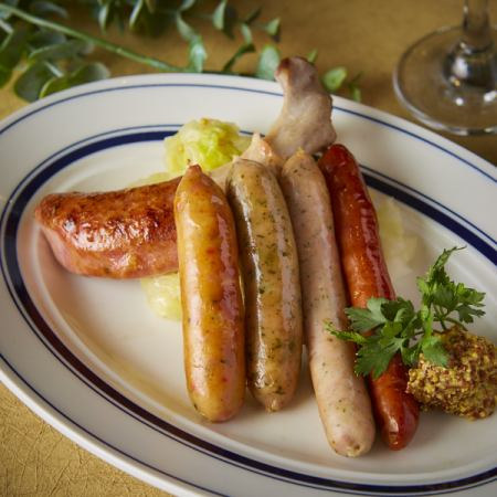 Assorted 5 types of sausages