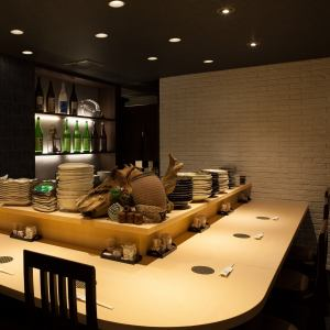 Spacious counter seats can be enjoyed relaxingly even if you ask a lot of dishes.Please spend your time ♪