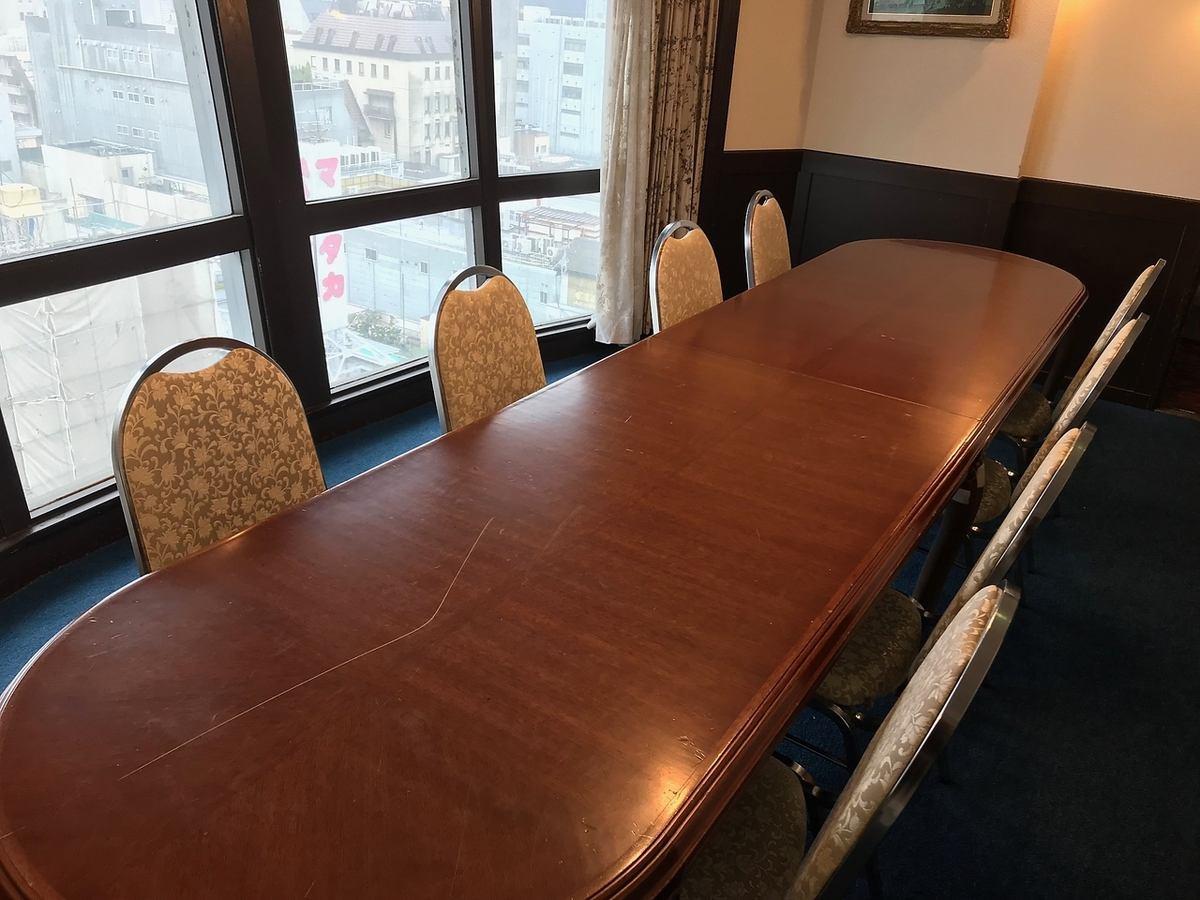 6~8名までご利用いただける個室あり。会議室利用としておススメ