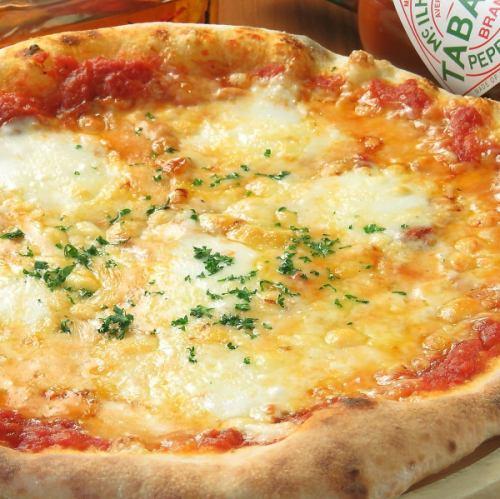 定番のマルゲリータピザ