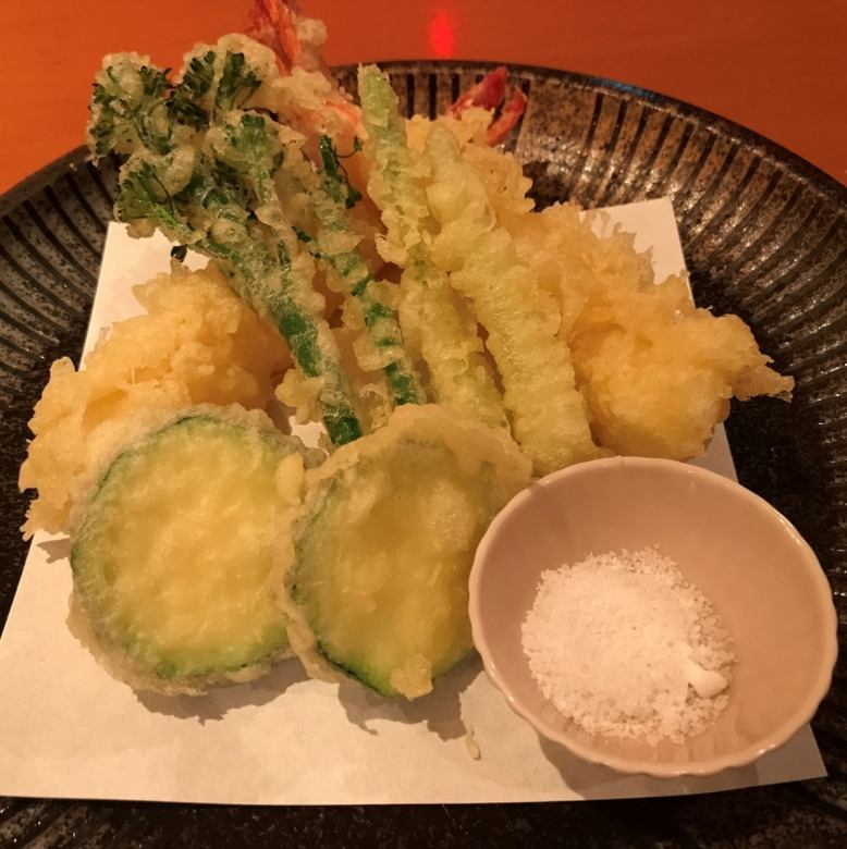 Tempura of big shrimp and seasonal vegetables