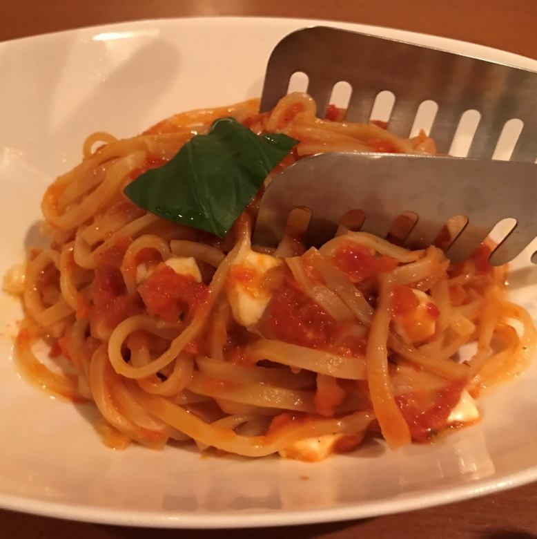 [PASTA] Mozzarella cheese tomato sauce
