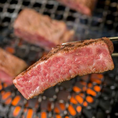 上質な牛肉が楽しめるオーダーバイキングのお店!!