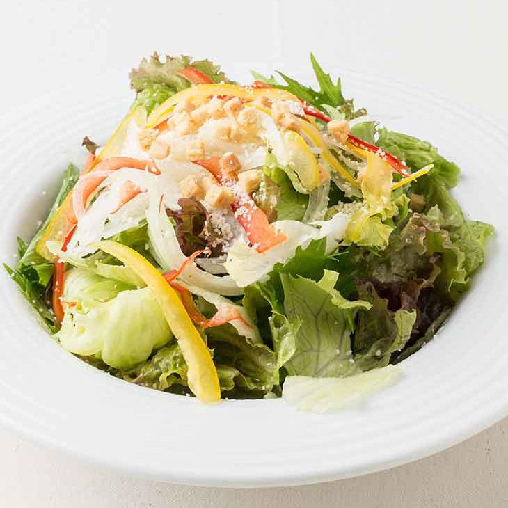 Caesar salad / roast beef salad / chopped salad