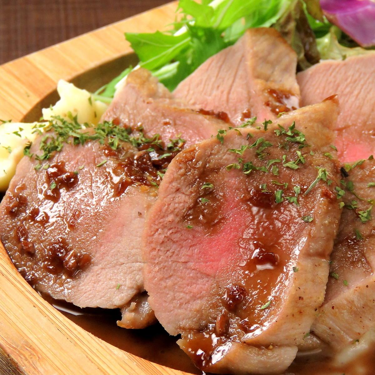 豚ヒレ肉のロースト 赤ワインソース(限定)