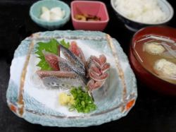いわし刺身と手作りつみれ団子汁定食