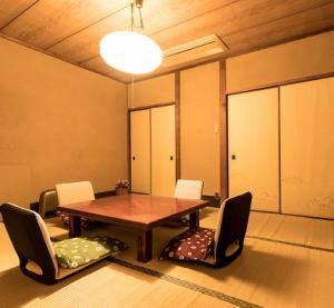 二階お座敷 2名様から個室対応可能