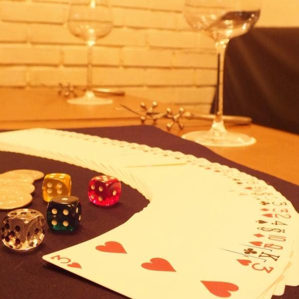 【大好評!メディア取材多数実力者マジシャン】テーブルマジックは目の前20~30cmで起こる不思議に夢中になる♪週末にはお店全員が夢中になるステージマジックが!お店のマジシャンが皆様に驚き&楽しい時間をお届けします。マジックはドリンクチャージ料に込み♪