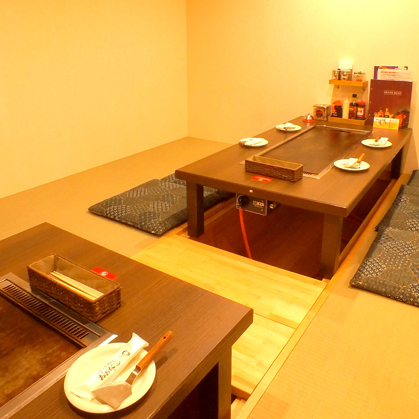 We have dinner served up to 10 people and a private room
