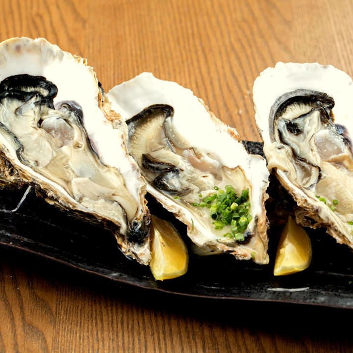 """Raw oyster or grilled oyster"" 1 piece"
