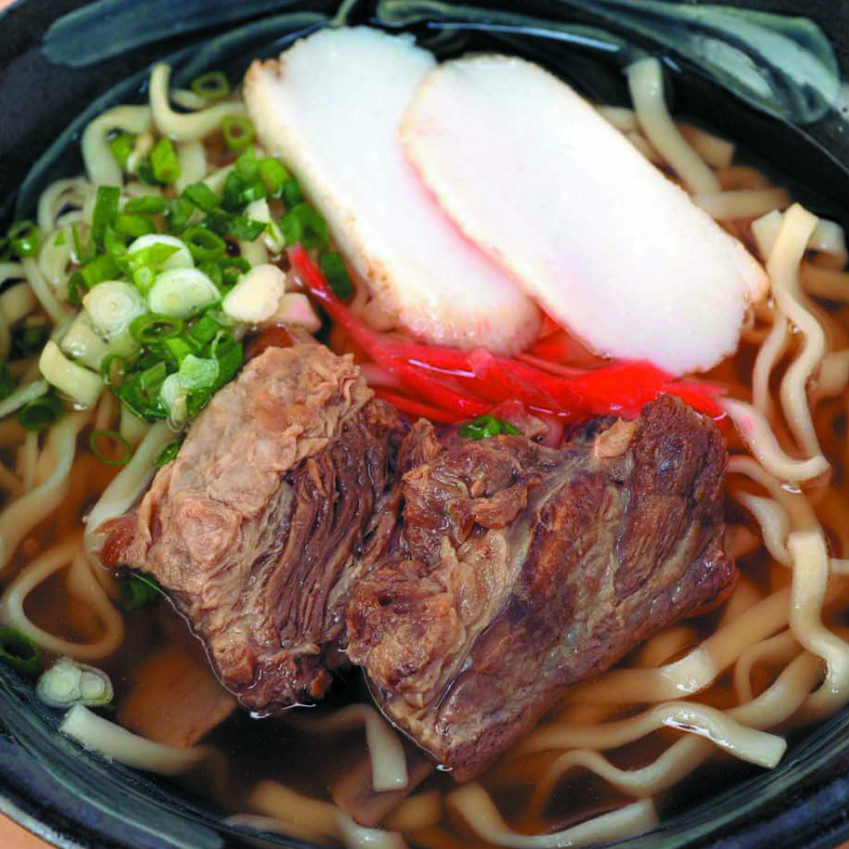 Soba buckwheat noodles (simmered with spare ribs)