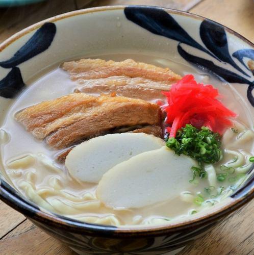 沖縄そば(三昧肉の煮付け入り)