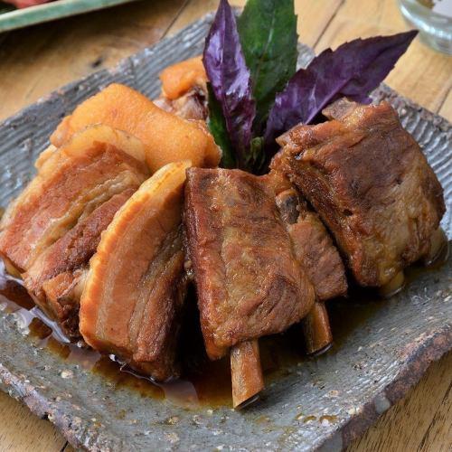 『贅沢』豚肉の煮付け盛り合わせ(3種)