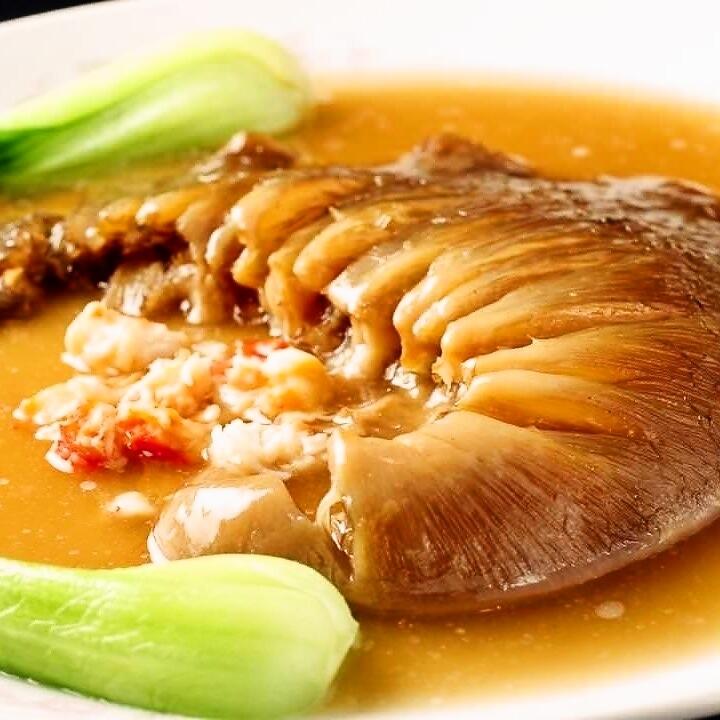 フカヒレの姿煮(ヨシキリザメ80g)/毛鹿サメの姿煮(80g)【※写真】
