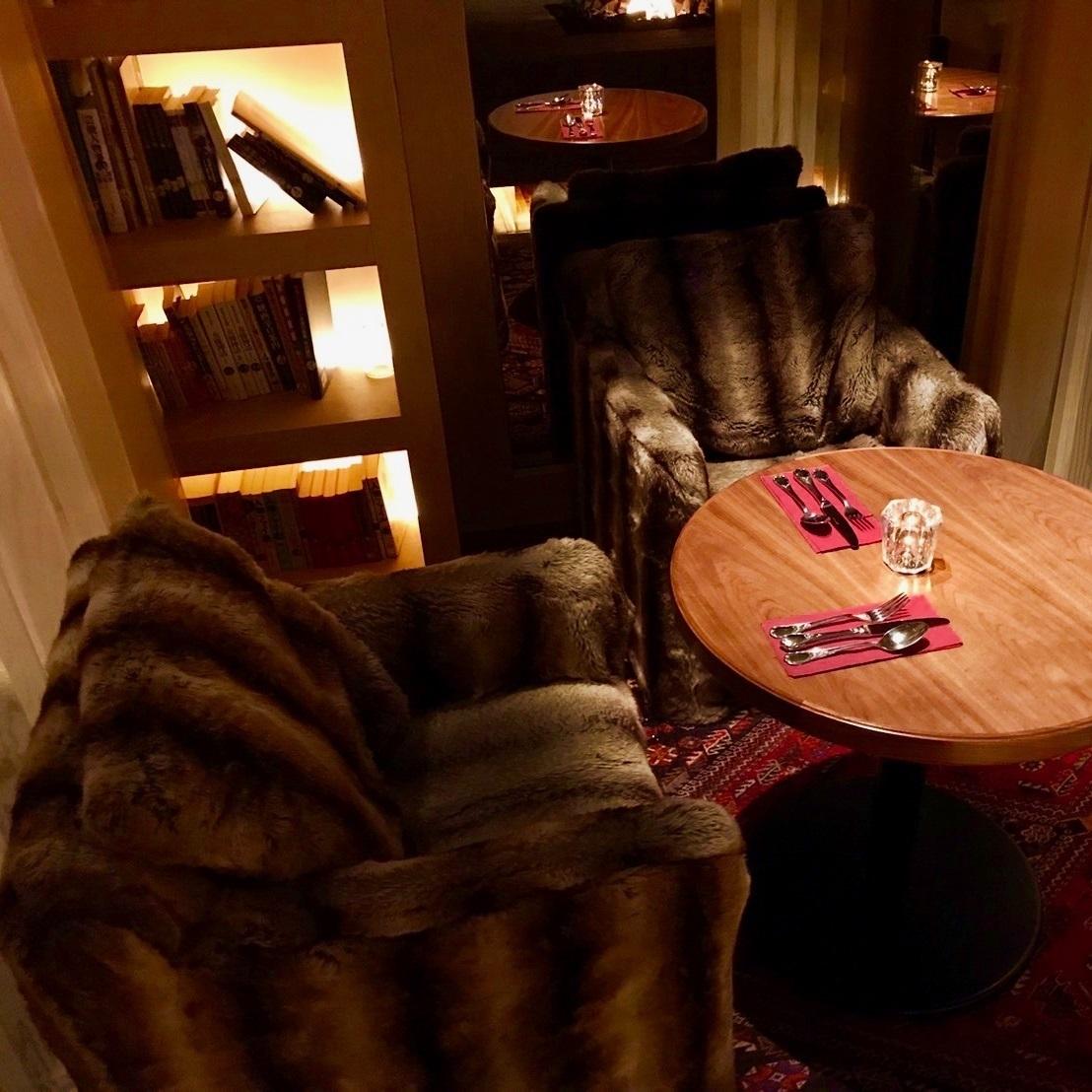 【沙发座椅和半私人房间★客厅】