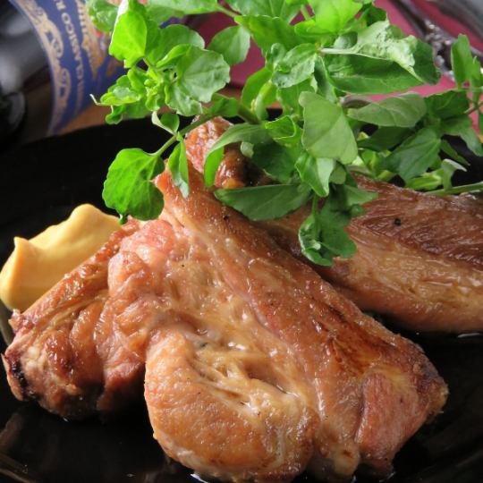 【厚排骨】肉類愛好者聚集!像照片夾克一樣?我們的商店準備了很多肉類菜餚!