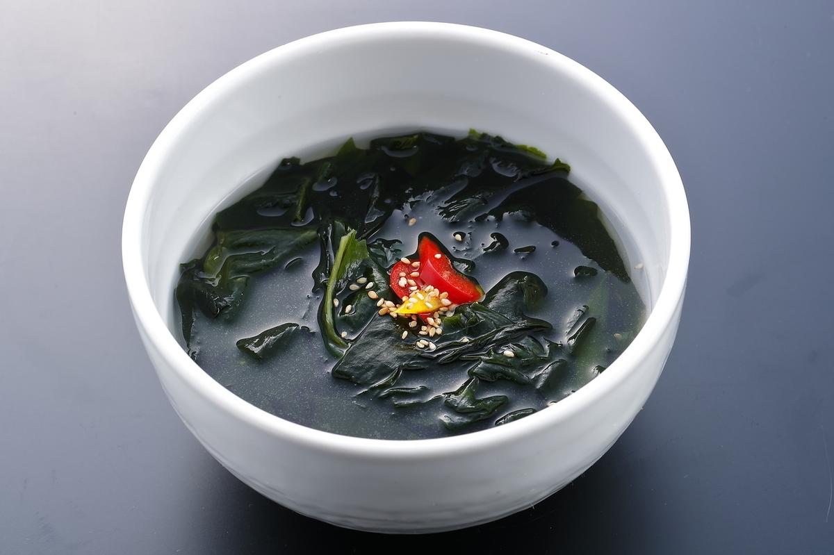 Vegetable soup / seaweed soup