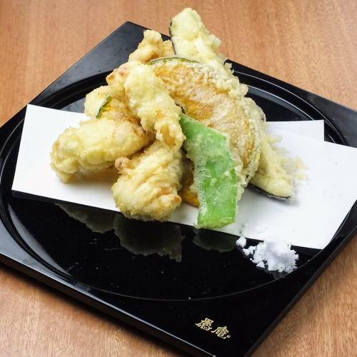 海の幸と山の幸の紀州天ぷら盛合せ