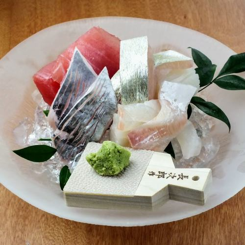 厳選食材を使用した紀州和歌山の鮮魚のお造り盛合せ