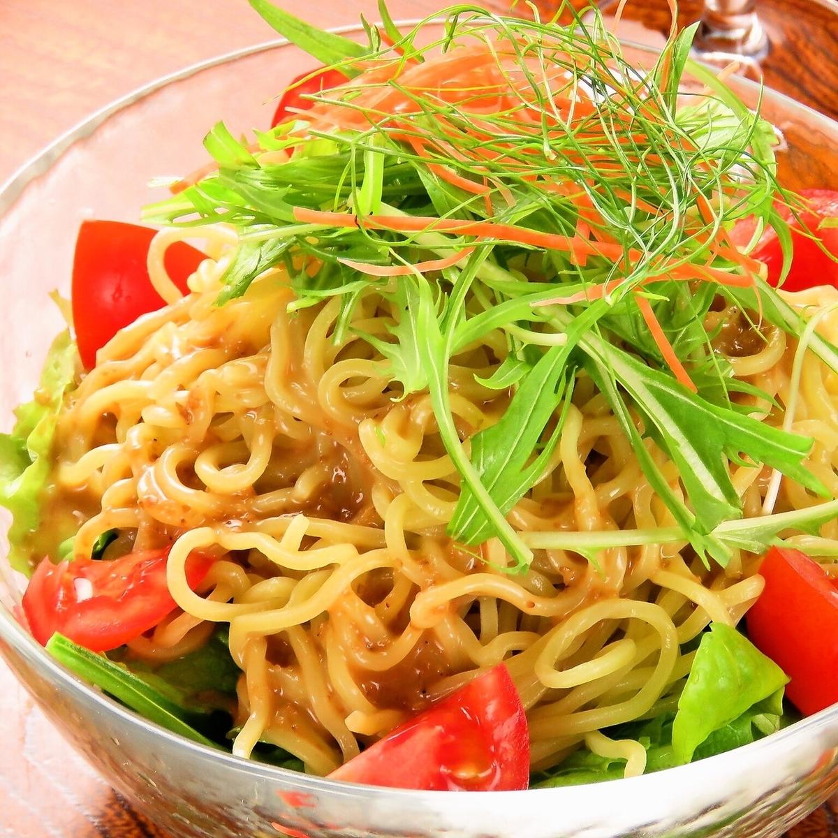 Roam taste! Ramen salad