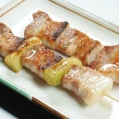 Black pork Negima skewers (salt, sauce, black pepper)