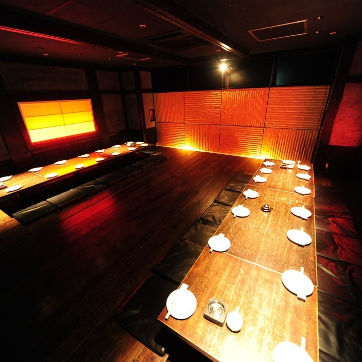 Please contact us for reservations outside the hours such as luncheon and late night party.A large banquet hall that can guide 30 to 60 people is digging and it is a movable table so it is possible to make a seat for the best ★ You can also adjust sound, air conditioning, lighting etc !!