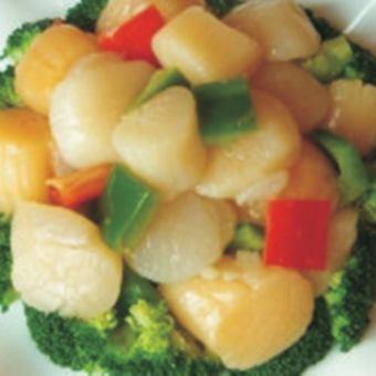 Scallop and broccoli stir-fry