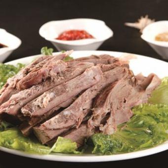 折腾羊肉煮酱牛肚蜂窝状特产