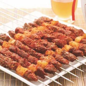 ラム肉串焼き