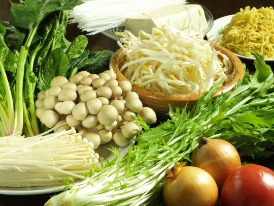 新鮮な野菜にもこだわります!