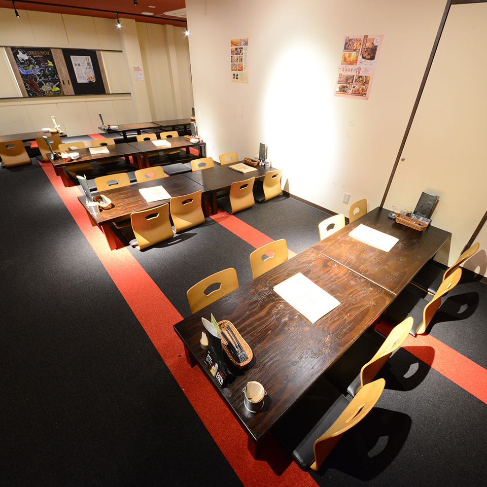 The Osami seats are perfect for banquets ♪ slowly extending their feet ♪