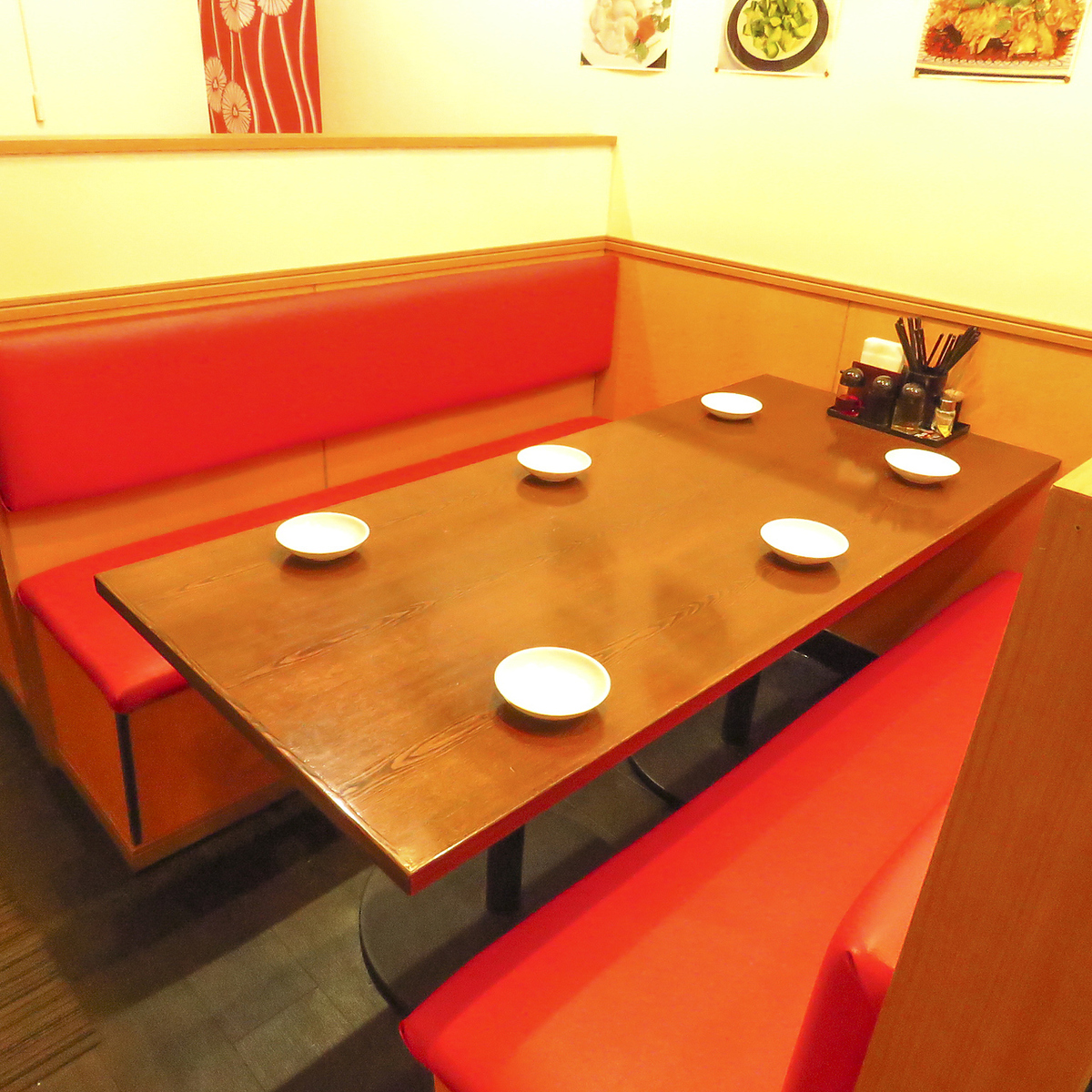 I can sit down on the sofa seat comfortably.Please reserve as soon as possible for popular seats ♪ Shinjuku × Chinese × all you can eat