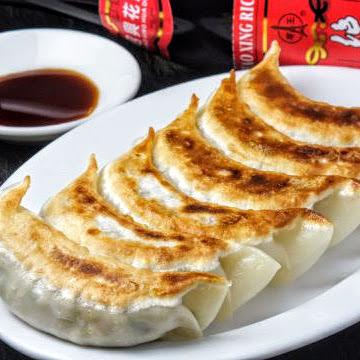 Hotspots ☆ Popular grilled dumplings 280 yen (5 pieces) ♪