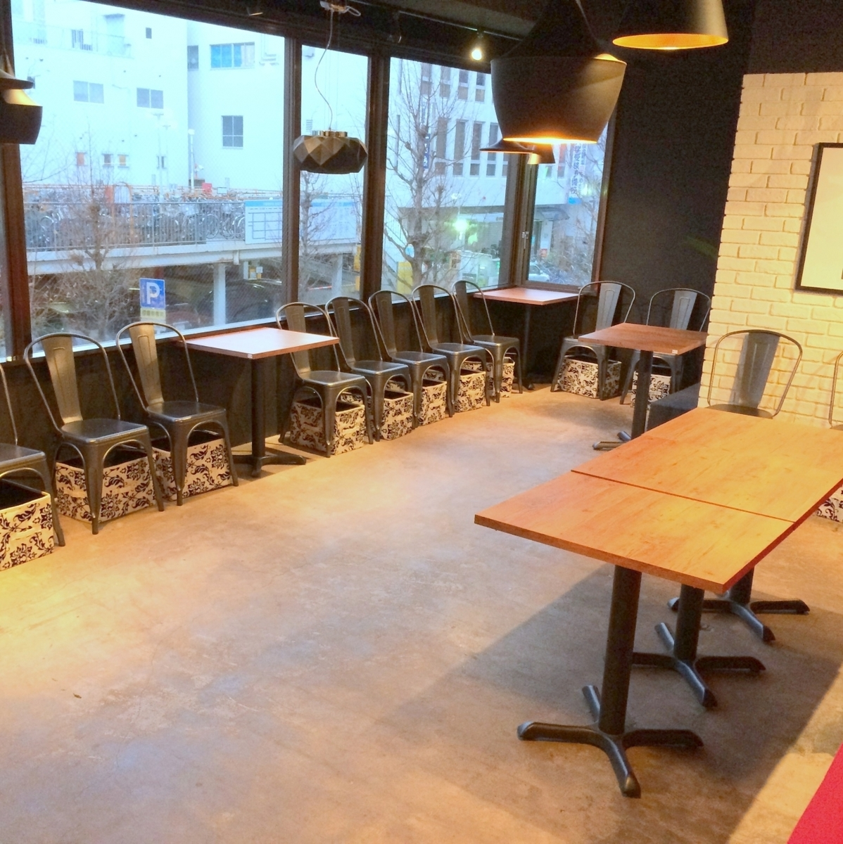 We can accommodate up to 100 people! We accept charter with small number ☆ We also correspond according to budget even a small number of people Please feel free to call us ♪ Especially weekday and early time are the target eyes!