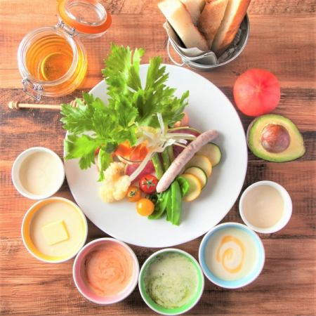 """◆豐富的婦女協會◆""""所有10種""""奶酪火鍋都可以吃""""3小時喝""""8項3480日元"""