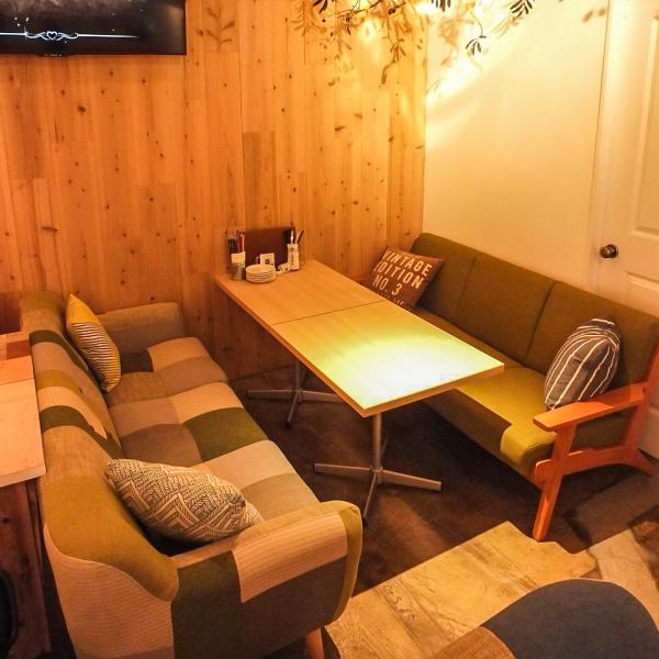 Spacious sofa seat the women's meetings and birthday seat private Tsukai to that also recommended ★ atmosphere for each seat is different, such as the Board, part of the fun happens in where every time ♪