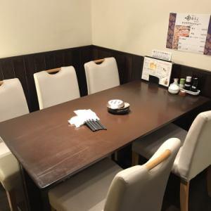 店内奥には、テーブルもご用意しております。