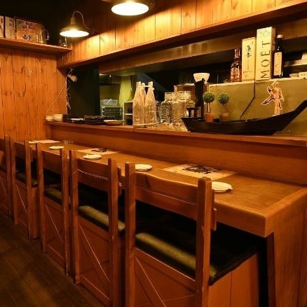 Spacious counter seat is also recommended!