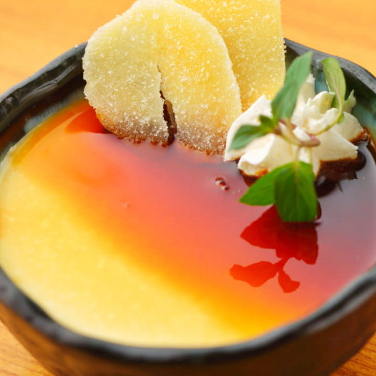 Rich pudding ginger caramel sauce